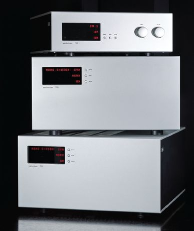 SOULUTION 711 STEREO AMPLIFIER, 701 MONOBLOCK AMPLIFIER, AND 725 FULL-FUNCTION PREAMPLIFIER